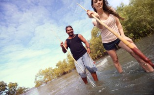 Australia_Queensland_Bama_Way_Spear_Fishing_Traveller_Jess_CEO-Leo_Tamburri_2012-2C0C2649_Processed_Lg_RGB