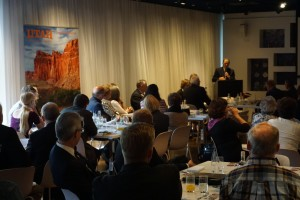 Governor Herbert addresses a group of Dutch tour operators and journalists about Utah's Mighty Five® national parks and Greatest Snow on Earth®. The reception produced many sales and media leads.
