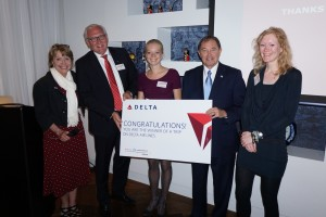 Governor Herbert with (l-r) Vicki Verela, managing director of Tourism, Film and Global Branding at GOED, Jan Feenstra, Delta Air Lines Netherlands sales manager, Anke Popping, winner of a trip to Utah, and a representative from Tioga Tours, the company that sponsored the contest.