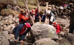 Providing water to a Qelqanqa village in Peru