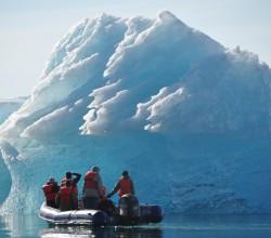 150_skiff_iceberg