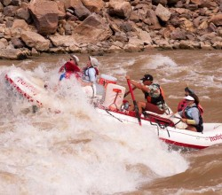 Colorado-River-Rafting-Trips-Cataract-Canyon