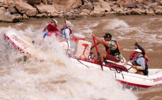 Colorado-River-Rafting-Trips-Cataract-Canyon