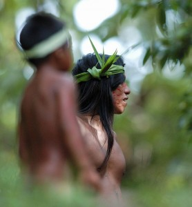 Huaorani in forest lr