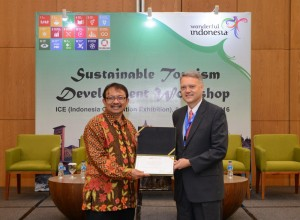 Dadang Rizki Ratman, Deputy minister of Tourism Destination and Industry Development Indonesia and Randy Durband, Global Sustainable Tourism Council CEO