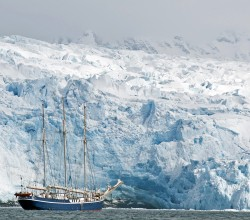 Oceanwide Expeditions' three-masted schooner, the SV Rembrandt van Rijn. Credit: Kari Medig