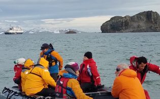 the-life-boat-arrives-at-the-island