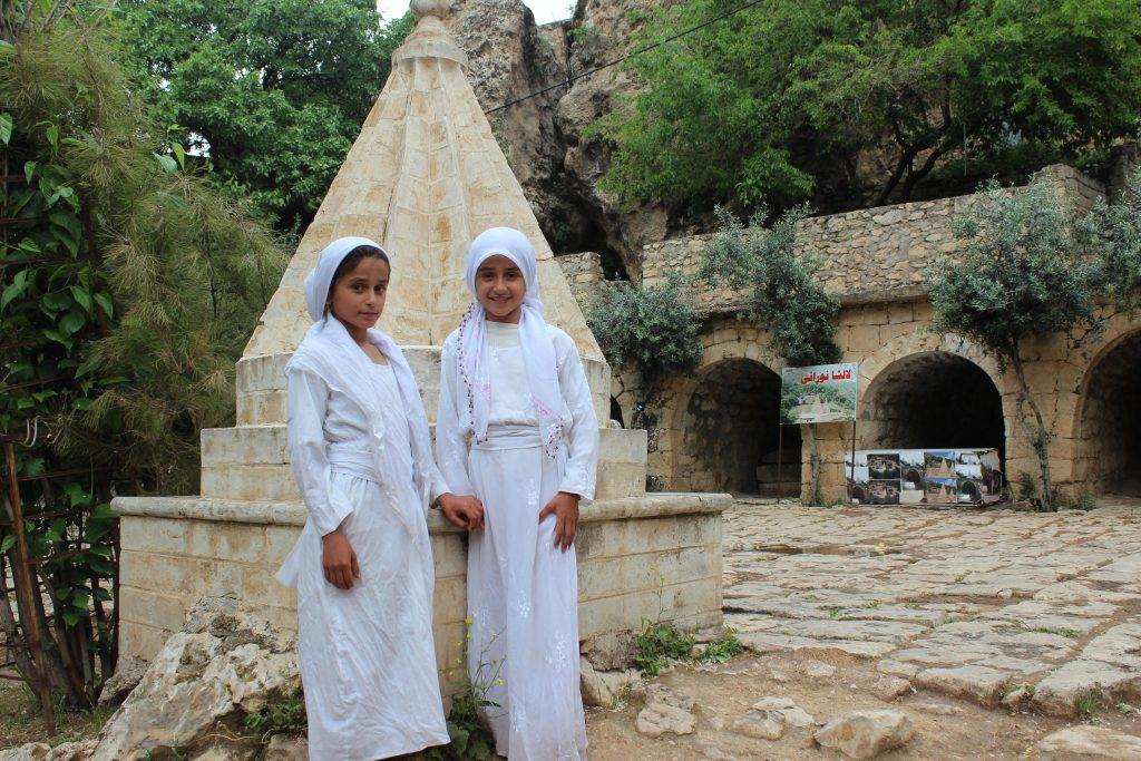 yezidi-girls