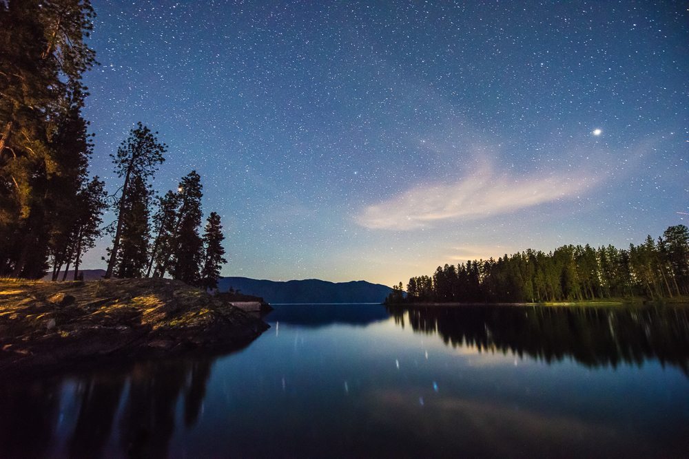 visitidaho_north-night-sky-lake-pend-oreille-sandpoint_28084369714_o