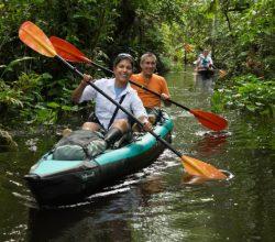 amazon-kayaking-tour-happy-couple-t3-696x464