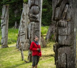 haida-gwaii-kayaking-tour-totem-poles-gwaii-haanas