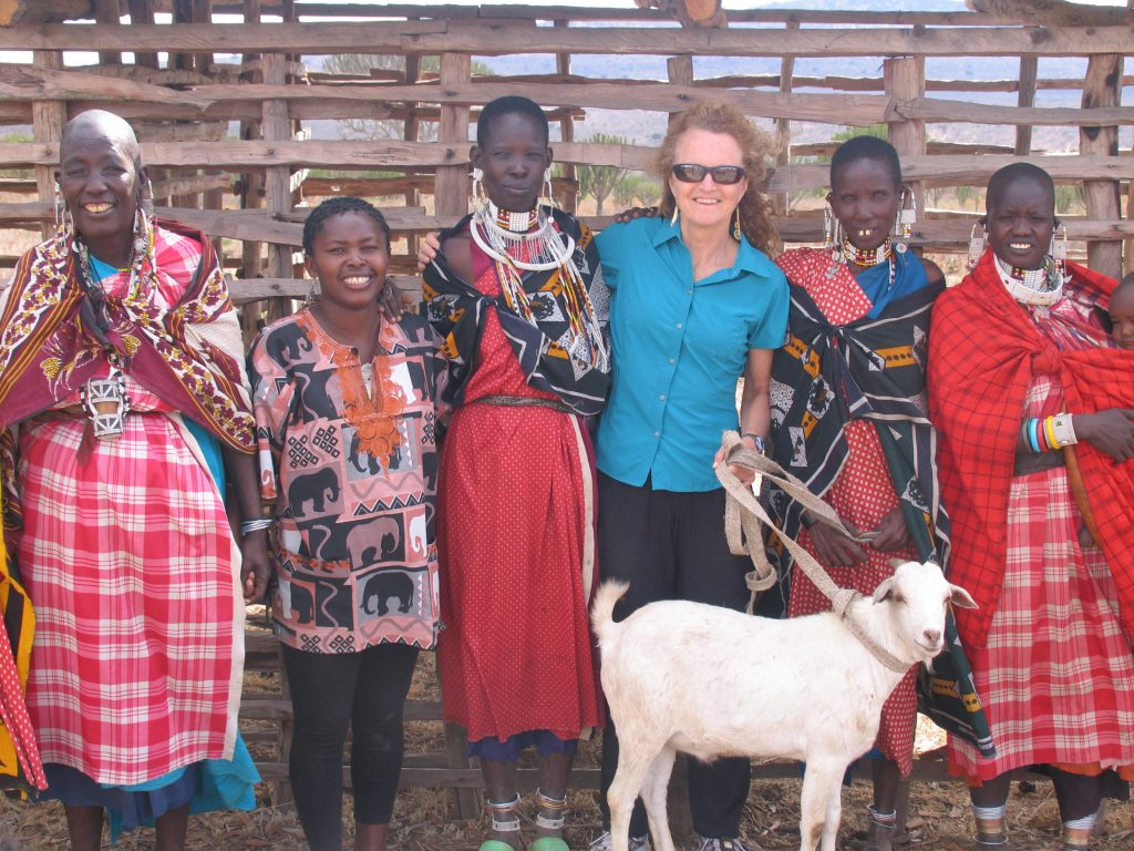 gift-to-judi-from-maasai-women-friends