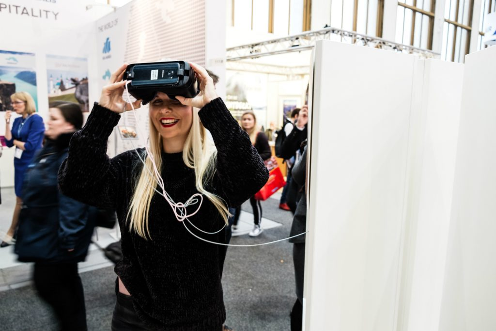Virtual Reality: Insights and Opportunities in the Travel
